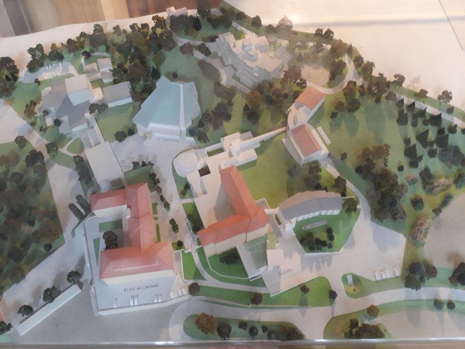 Gelände mit Kirche (Modell)