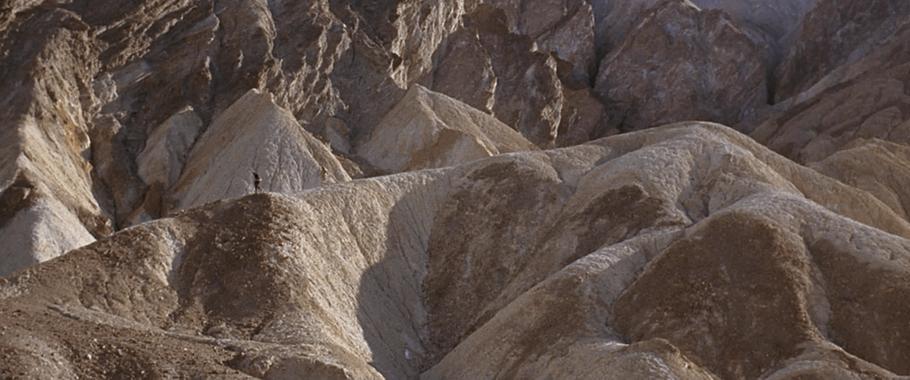 "Szenenfoto aus dem Film ""Robinson Crusoe auf dem Mars"" (Robinson Crusoe On Mars, USA 1954) im Death Valley"