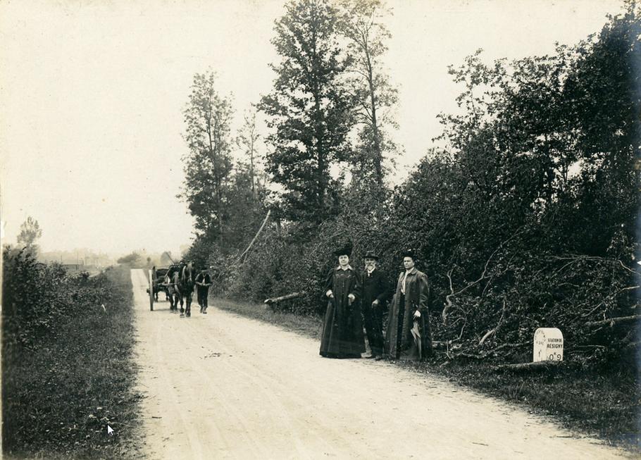 De Résigny à Momplaisir (les citernes)