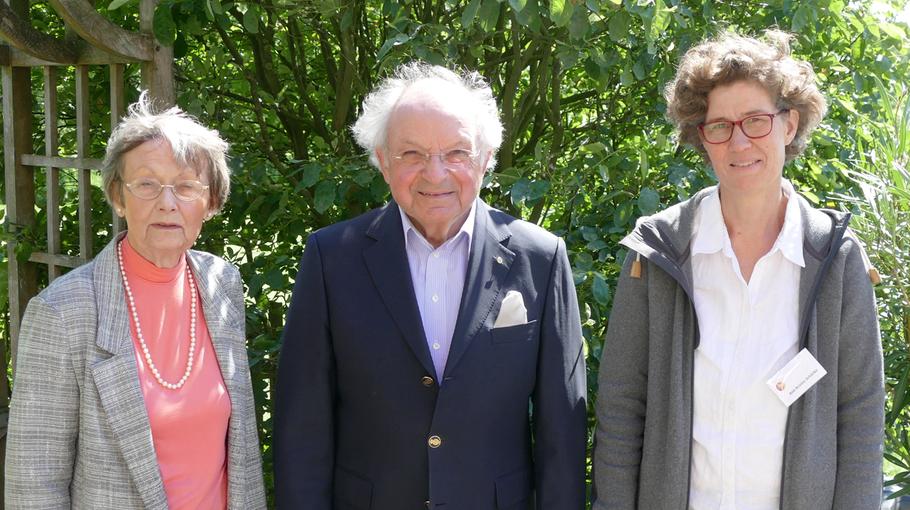 Bilden nach wie vor den Vorstand des Kulturvereins: Irene Lühdorff (2. Vorsitzende), Johannes Schneider (Vorsitzender) Ann Kristin Schäcke (Schatzmeisterin) v.l.