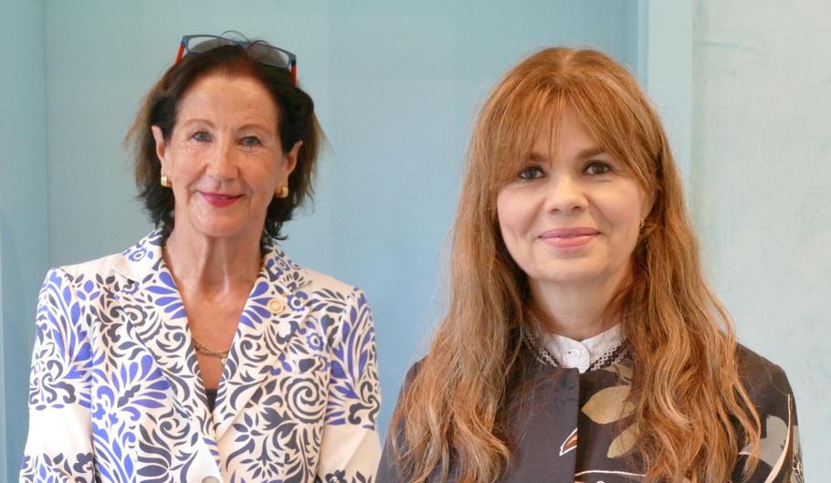 Ute Pfestorf übergab das Amt der Rotary-Präsidentin an Ulrike Schaepers-Kelting (v.l.)