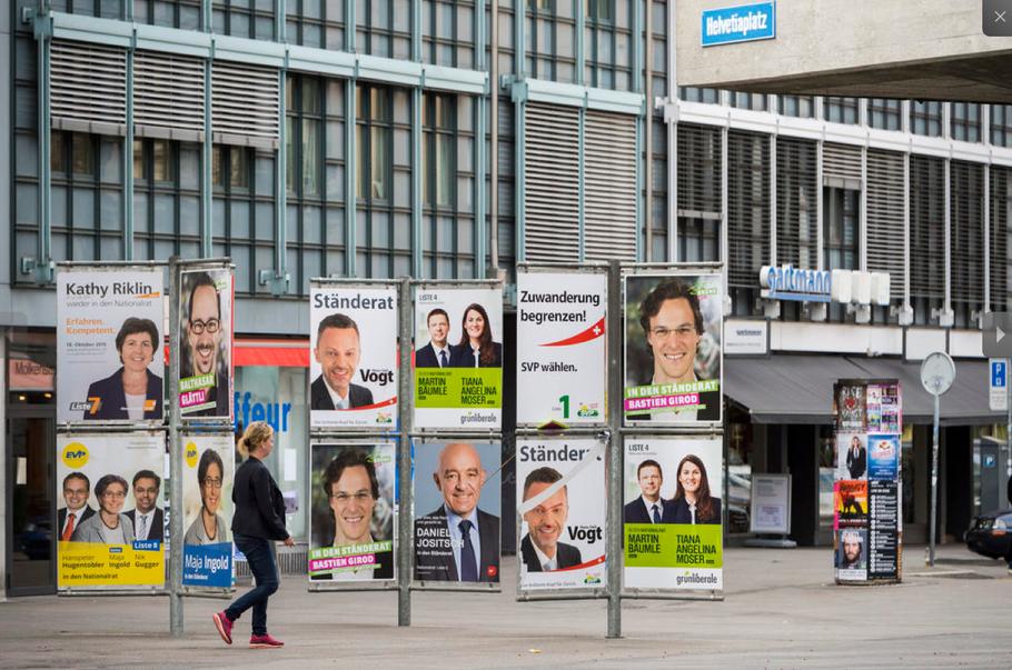 Just in der heissen Phase des Wahlkampfes wird bekannt, dass die SP eine Transparenz-Initiative plant. Finanzspritzen an Parteien und Komitees, die mehr als 10'000 Franken betragen, sollen offengelegt werden. Im Bild: Plakatschlacht in Zürich.