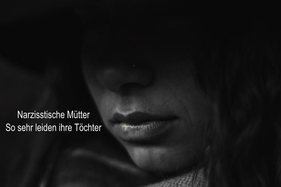 Narzisstische Mütter: so sehr leiden ihre Töchter stille Kellerkinder