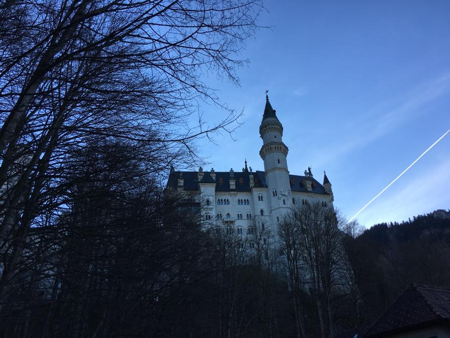 Der Blick auf das Schloss kurz bevor man es erreicht hat