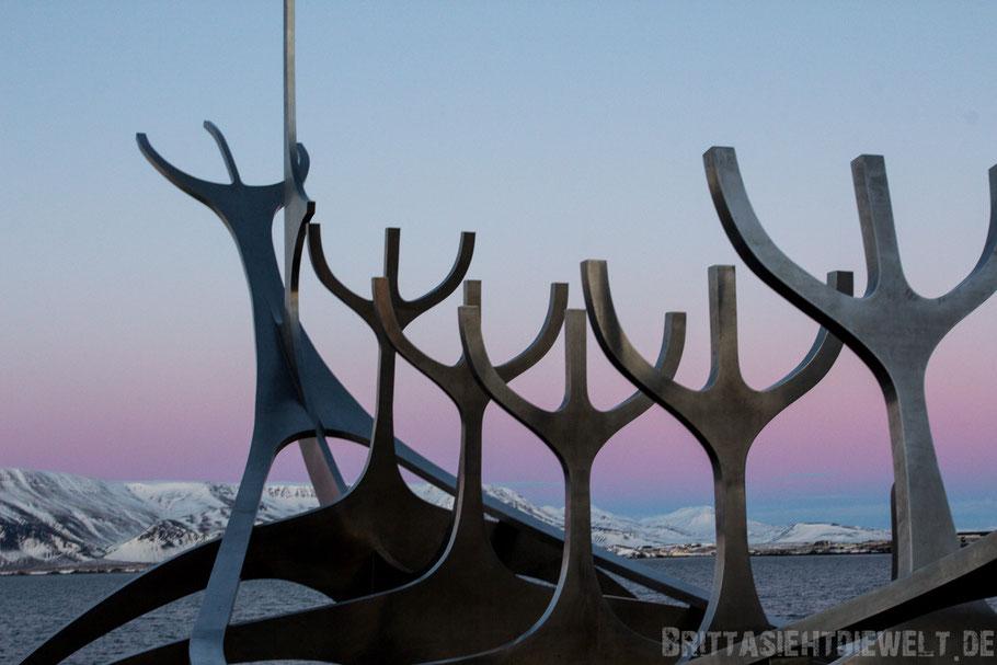 solvar,sonnenfahrt,skulptur,sonnenuntergang,hafen,meer,island,winter,reykjavik,reisetipps,tipps,februar,zwei,wochen