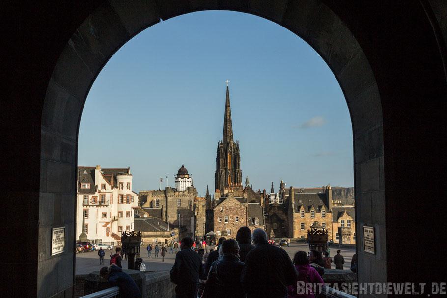 Edinburgh,castle,schottland,herbst,oktober,tipps,sehenswürdigkeiten,schloss,old,town,Torbogen.