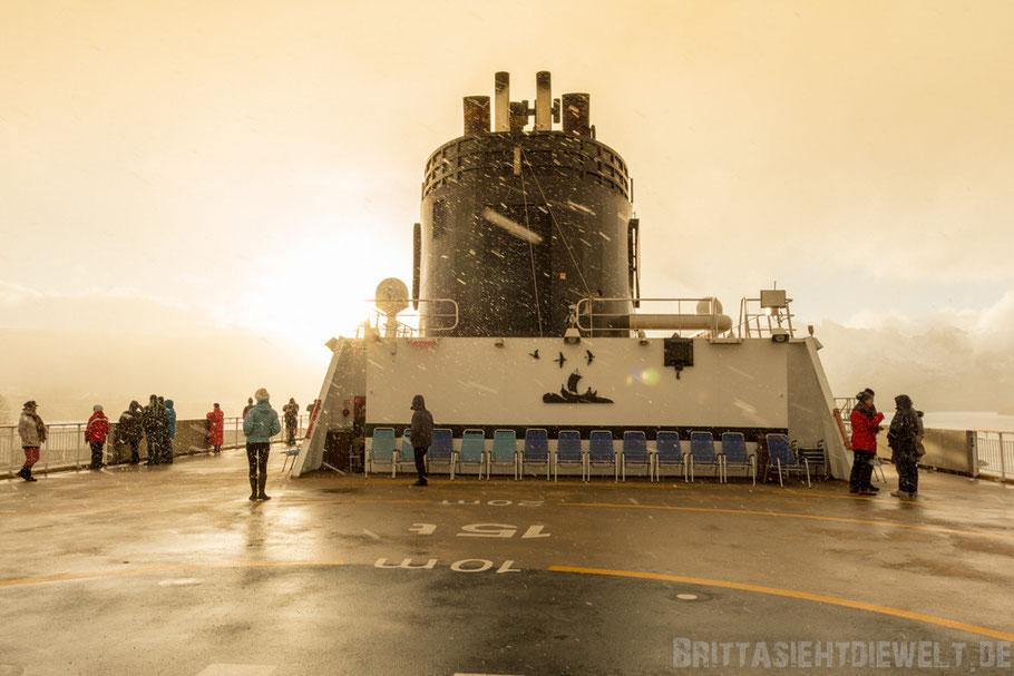 MS,Midnatsol,Hurtigruten,Deck,9,Schnee,Schneesturm,Postschiff,Ørnes,Kreuzfahrt,Winter,November