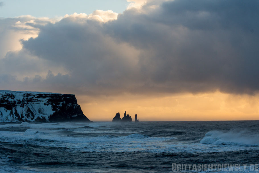 Dyrhólaey,Island,Süden,Küste,Winter,Meer,stürmisch,Wellen,Februar