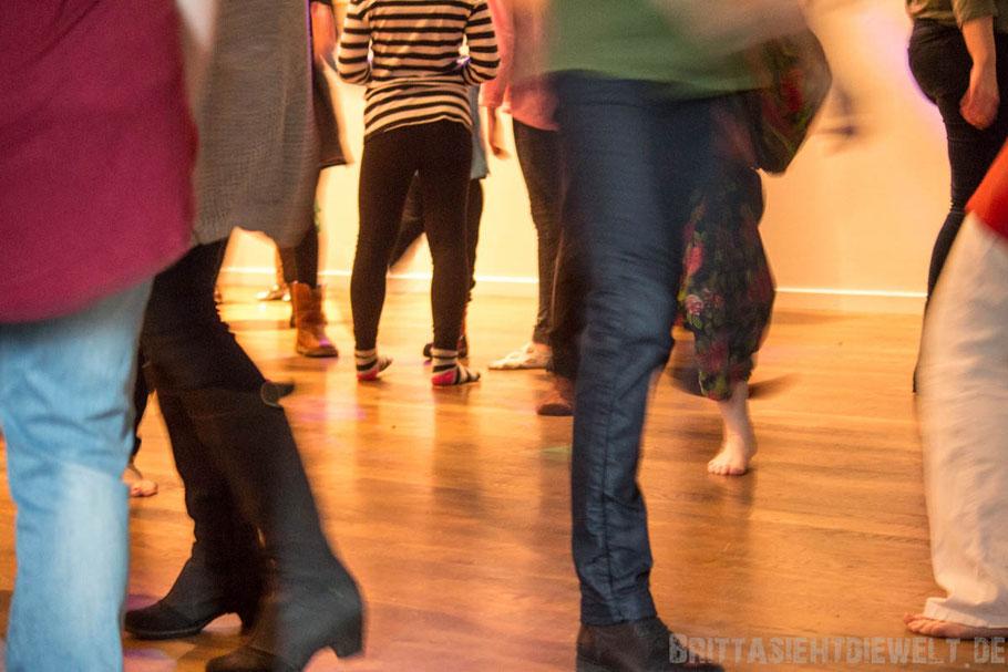 dance,freedom,Akureyri,Iceland,family,north,car,snow,tipps,winter,february