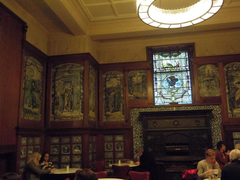 V&A Museum Poynter Room