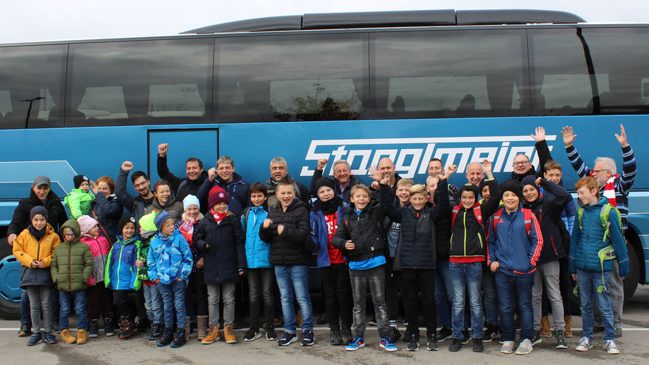Vorfreude auf einen ganz besonderen Ausflug für die jugendlichen Pfaffenhofener Fußballer