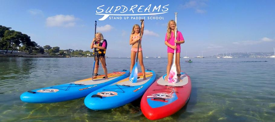 cours de stand up paddle pour enfants à Hendaye sur la côte basque