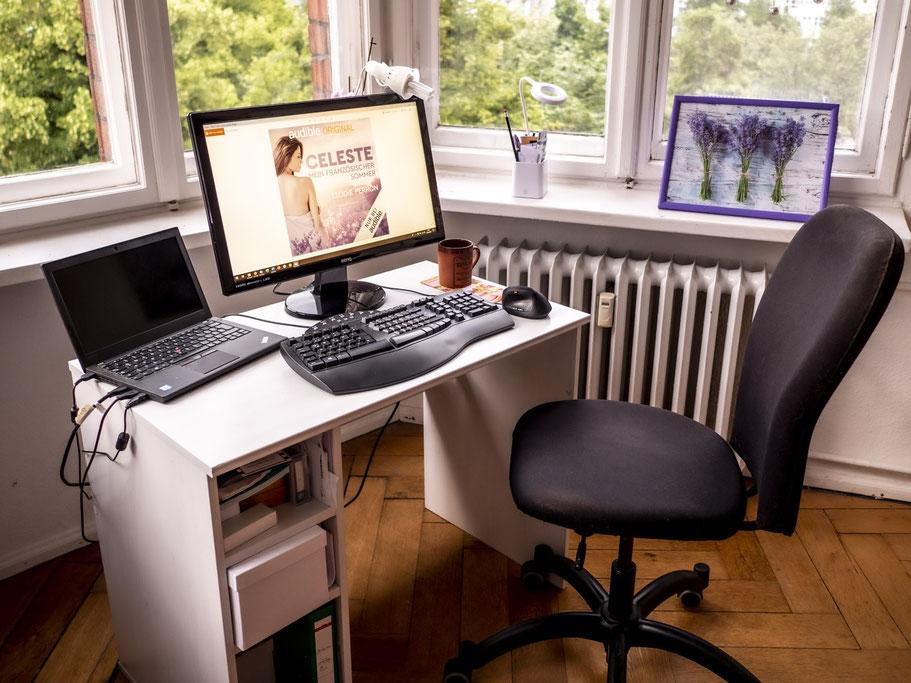 Schreibtisch der Autorin Elodie Perron