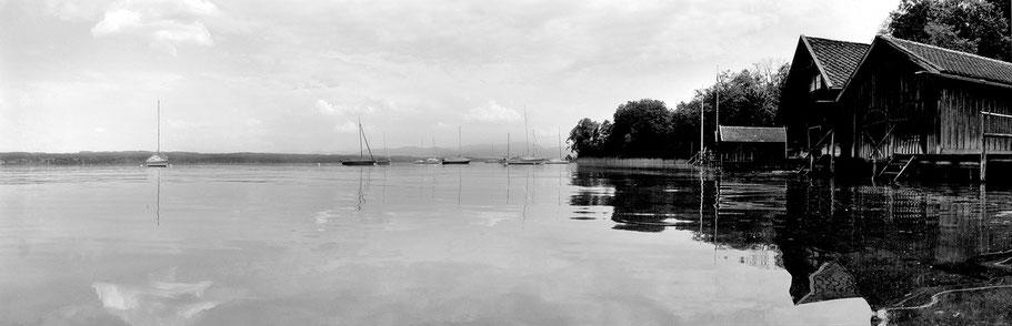 Starnberger See/ Bernried in schwarz-weiß als Panorama-Photographie