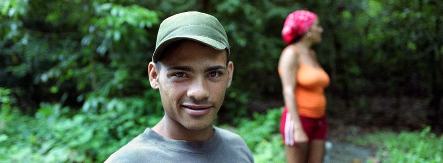 Zwei Cubaner im Wald bei Baracoa als Panorama-Photographie