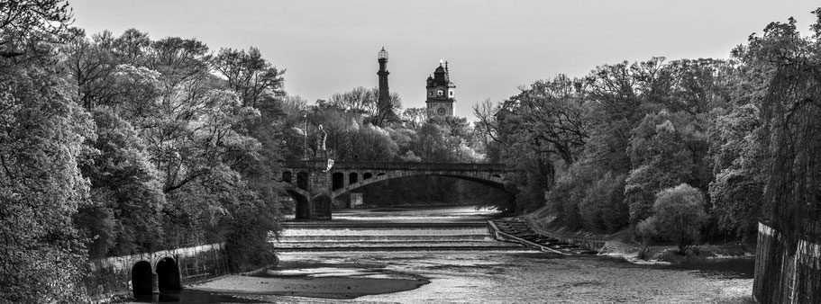 Isar in schwarzweiß als Panorama-Photographie, München