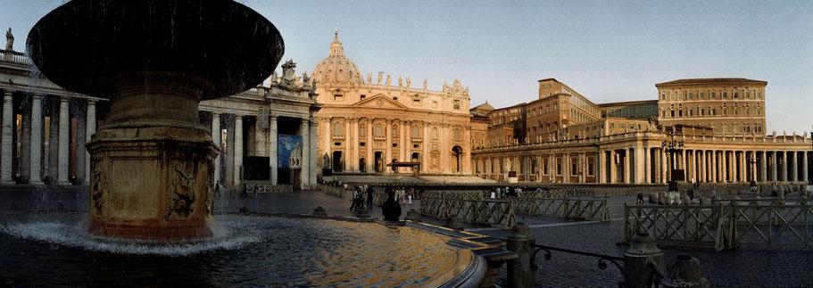 Farbphoto vom San Pietro Vaticano Piazza in Rom im Panorama-Format
