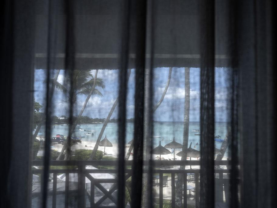Kiosk an der Hauptstraße von Jioufen in Taiwan als Farb-Photographie