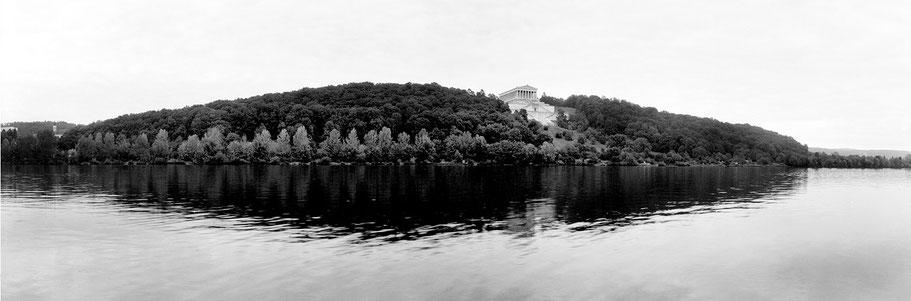 Donaustauf Walhalla in schwarz-weiß als Panorama-Photographie