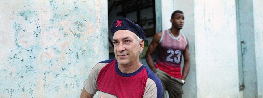 Zwei Cubaner in Baracoa als Panorama-Photographie