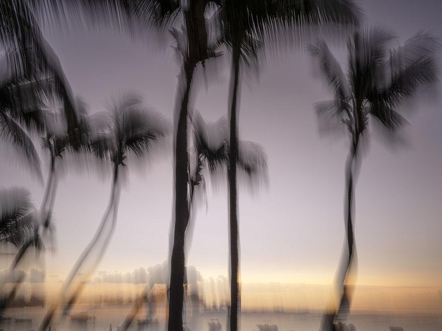 Die Gegend des Teapot Mountain in der Nähe von Jioufen in Taiwan als Farb-Photographie