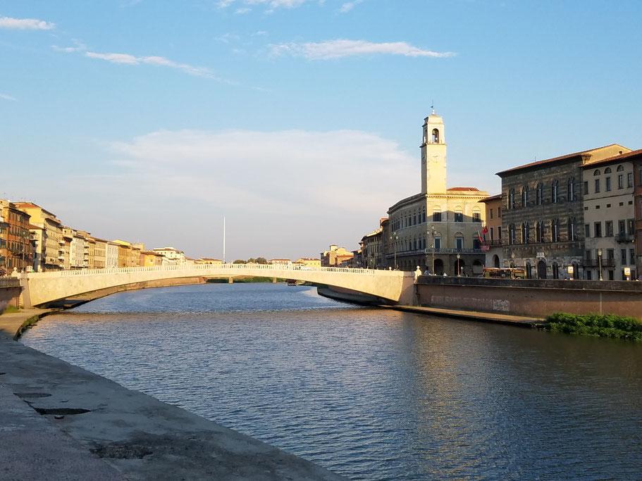Blick auf den Arno in Pisa