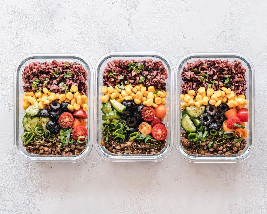 Sometimes, plant-based eaters need help coming up with what to eat. That's where my easy, healthy meal plans come in. I create mix-and-match meal plans for flexitarian, vegetarian, vegan, and gluten-free eaters. #mealplan #vegetarian #vegan #glutenfree