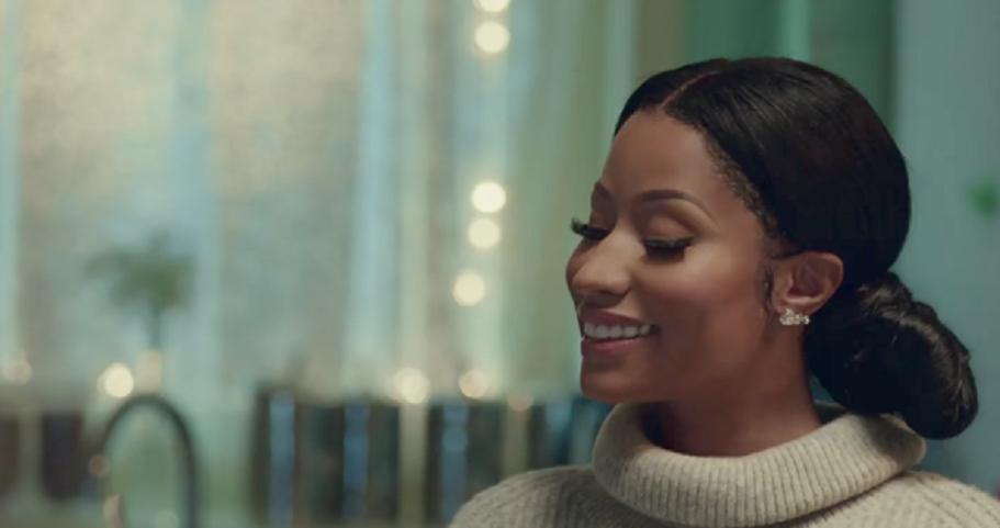 Jesse Williams et Nicki Minaj, parents et personnages féériques dans la campagne de Noël de H&M