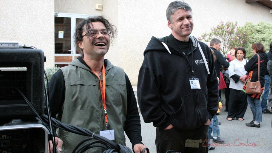 Technicien son extérieur et Pablo Jaraute, technicien son de la salle culturelle. Festival JAZZ360 2010, Cénac, mercredi 12 mai 2010