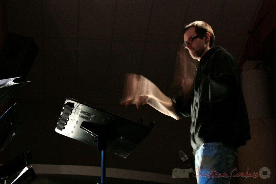 Julien Dubois, coordinateur du département Musiques Actuelles Amplifiées-Jazz du Conservatoire de Bordeaux Jacques Thibaud. Festival JAZZ360 2010, Cénac, vendredi 14 mai 2010