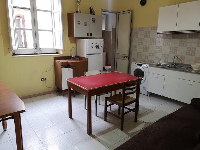 Via Maqueda, 2 bedrooms
