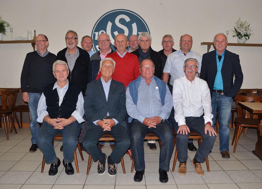 Die Meistermannschaft von 1972/73 des SV Bexbach feierte ein Wiedersehen.