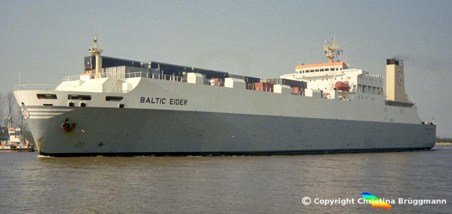 Ro-Ro Schiff BALTIC EIDER, Nord-Ostsee Kanal 1990