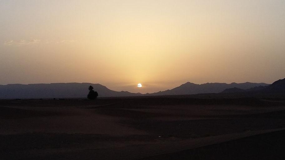 magnifique reveil avec un levé de soleil superbe
