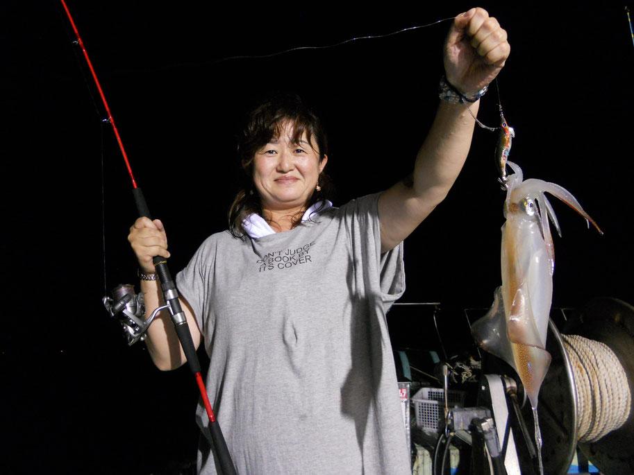 ↑ 1年ぶり2回目のイカ釣り 20数杯キャッチ!