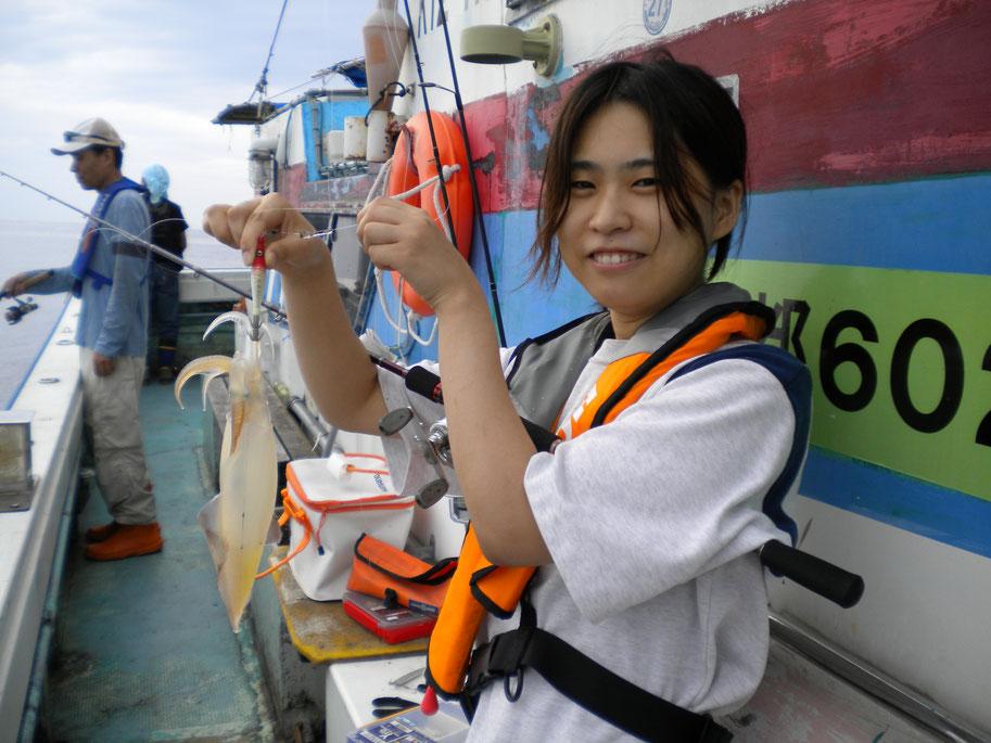イカ釣り初めて 5ハイ釣りました。