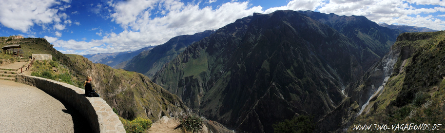 PANORAMA / COLCA CANYON - CRUZ DEL CONDOR
