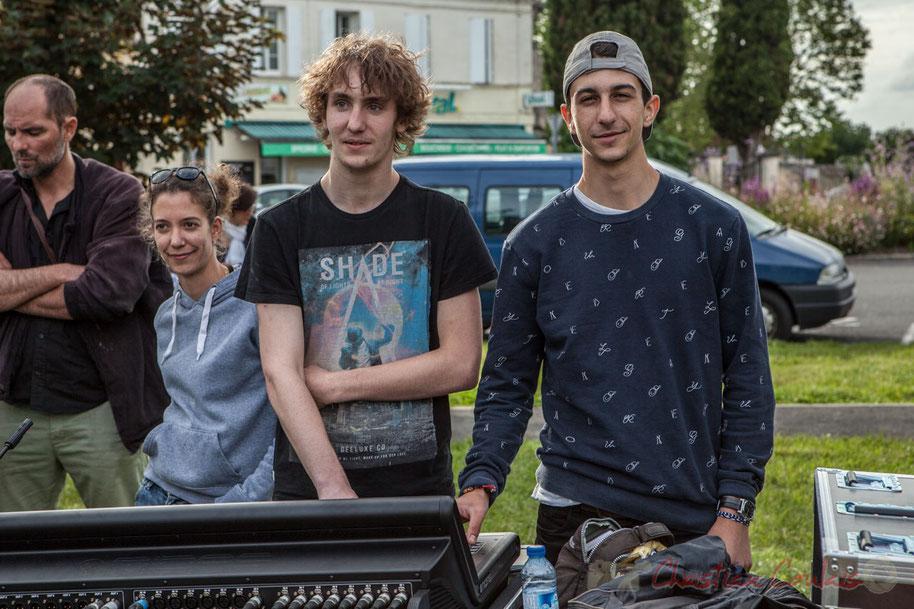 Les futurs professionnels du son ont pour maître de stage Charlotte Leric, responsable du son en extérieur. Festival JAZZ360 2016, Cénac, 11/06/2016