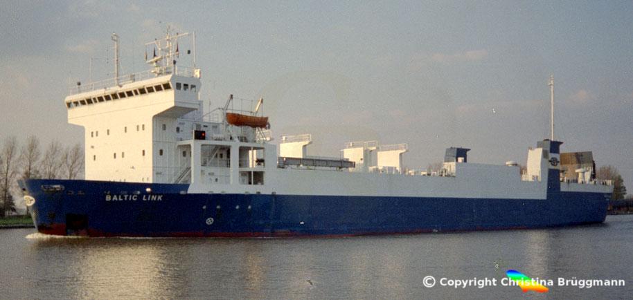 Eisbrechendes Ro-Ro Schiff BALTIC LINK, Nord-Ostsee Kanal 1990