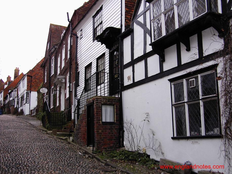 Sehenswürdigkeiten und Reisetipps Rye, England: Historische Straßen in Rye mit Kopfsteinpflaster und Fachwerkhäusern