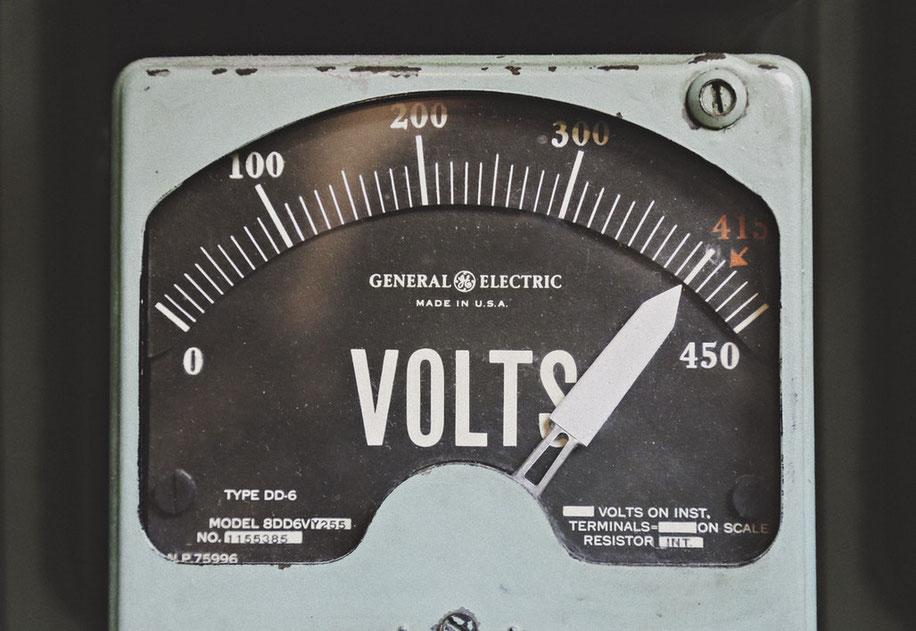 ecran vintage voltage