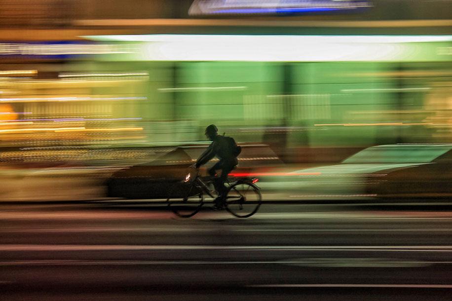 Vélo elecrique d'occasion dans la rue