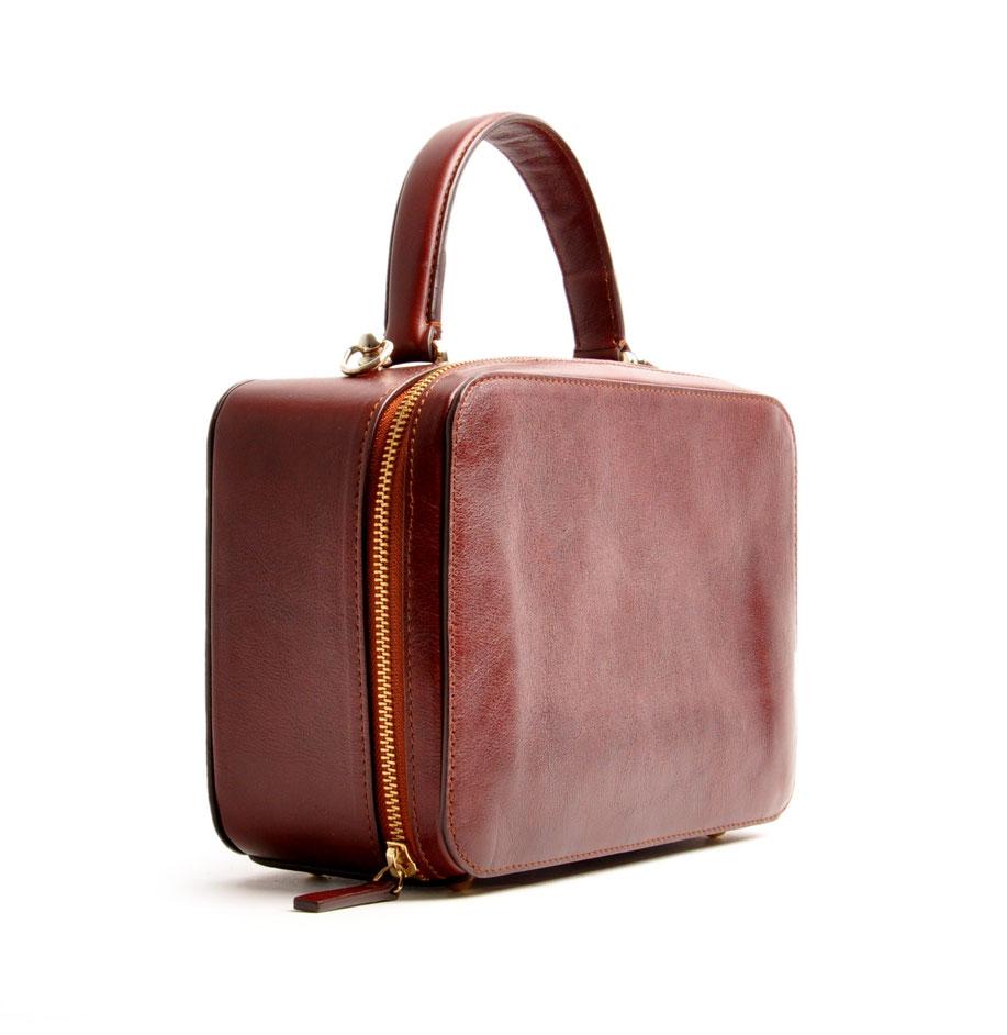 """Ledertasche """"VIRGENIE"""" Vintage-Look Ledertasche Dirndltasche Trachtentasche versandkostenfrei kaufen. Farbe braun OWA TRACHT Handarbeit"""