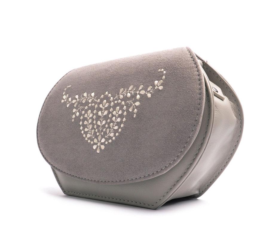Wiesntasche Trachtentasche ANNA grau  mit Stickerei OSTWALD Traditional Craft