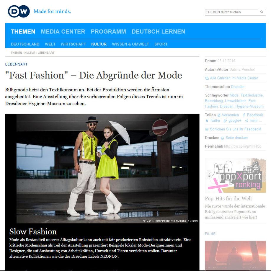 """NEONON im """"Slow Fashion Lab"""" der Hygienemuseum Ausstellung """"Fast Fashion- die Schattenseiten der Mode"""". Lokale Midedesigner, die auf Ausbeutung von Arbeitskräften, Umwelt und Tieren verzichten wollen."""