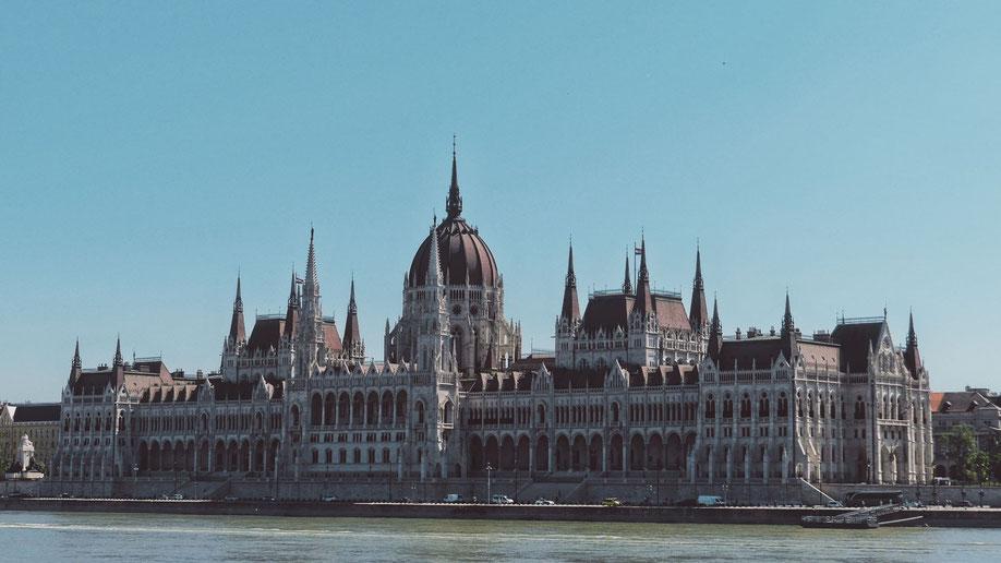 bigousteppes hongrie parlement budapest