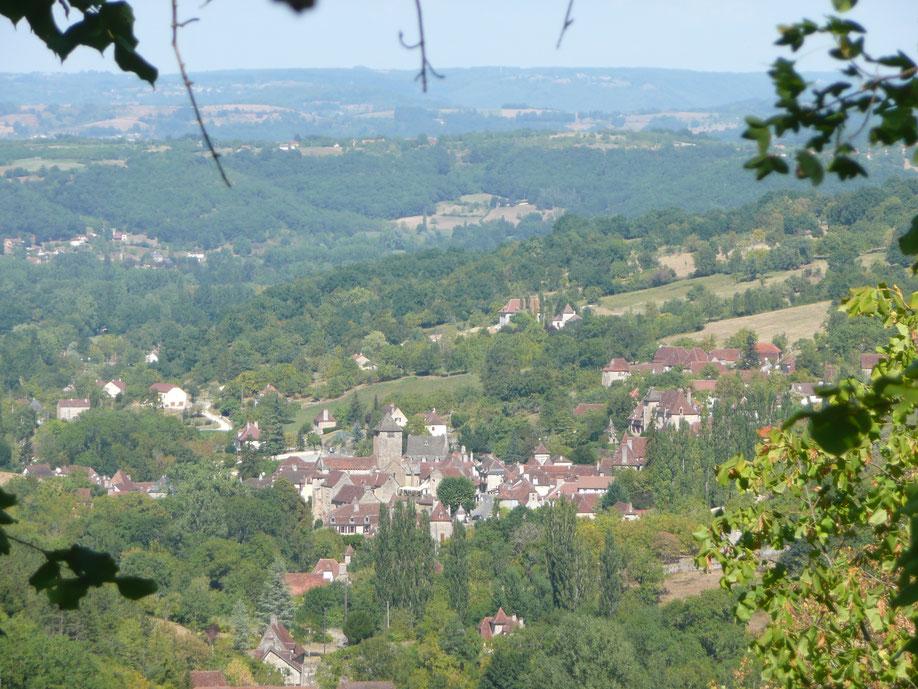 En Vllée de la Dordogne, il y a 6 Plus Beaux Villages de France. Autoire, Carennac et Loubressac dans le Lot et en Occitanie, et Curemonte, Turenne et Collonges-la-Rouge en Corrèze et Nouvelle Aquitaine