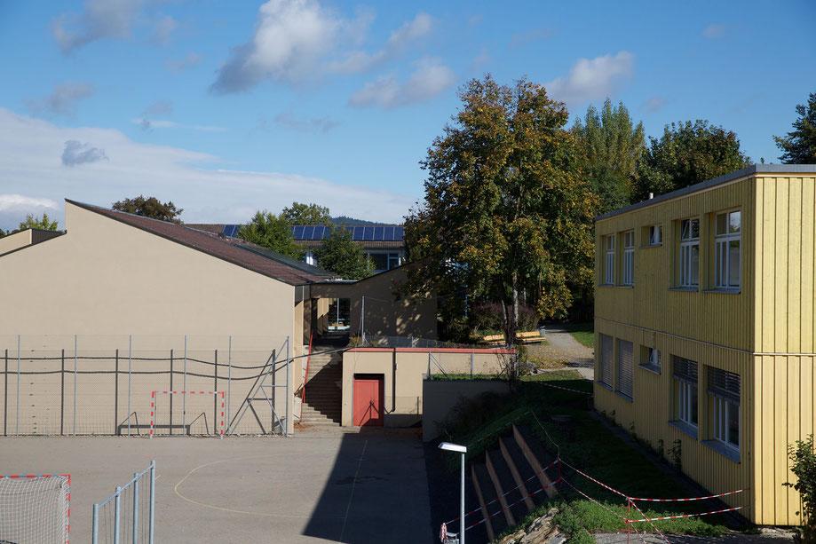 Foto: Solarspar, Schulhaus Schachenmatten, Bonstetten