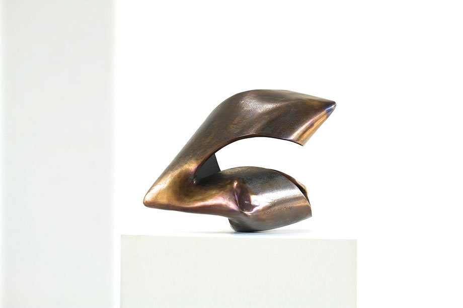 """""""Haptikon"""" Nr. 03-2016,  37 x 22 x 23 cm, Stahl gelbbraun angelassen"""