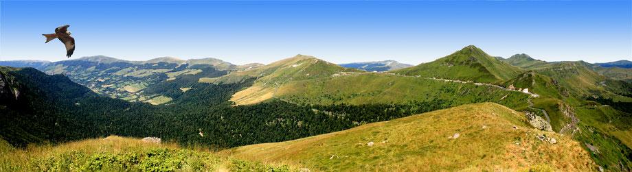 Les monts du Cantal (le Puy Mary )